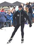Leden van de koninklijke familie nemen deel aan de tweede editie van De Hollandse 100 op FlevOnice, een sportief evenement van fonds Lymph&Co ter ondersteuning van onderzoek naar lymfeklierkanker. <br /> <br /> Members of the royal family take part in the second edition of the Dutch 100 on FlevOnice, a sporting event Lymph & Co fund to support research into lymphoma.<br /> <br /> Op de foto / On the photo:  Patrick Kluivert