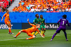 15-06-2019 FRA: Netherlands - Cameroon, Valenciennes<br /> FIFA Women's World Cup France group E match between Netherlands and Cameroon at Stade du Hainaut / Vivianne Miedema #9 of the Netherlands scores 1-0, Lieke Martens #11 of the Netherlands, Christine Manie #2 of Cameroon, Claudine Meffometou #12 of Cameroon, Annette Ngo Ndom #1 of Cameroon