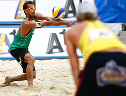 07.08.2011, Klagenfurt, Strandbad, AUT, Beachvolleyball World Tour Grand Slam 2011, im Bild Julius Brink (GER) und Joao Maciel (BRA), EXPA Pictures © 2011, PhotoCredit: EXPA/ Erwin Scheriau