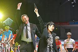 13.01.2011, Bremen Arena, Bremen, GER, Bremer Sechs Tage Rennen, im Bild Nena gab den Startschuss zum 47. Bremer 6-Tage-Rennen. Ausgeruestet mit der Pistole, schickte sie die die Fahrer auf die sechstägige Fahrt vom 13. bis 18. Januar 2011, Bild  EXPA Pictures © 2011, PhotoCredit: EXPA/ nph/  Kokenge       ****** out of GER / SWE / CRO ******