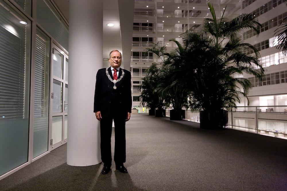 Nederland. Den Haag, 29 november 2007.<br /> Wim Deetman, scheidend burgemeester van Den Haag.<br /> Foto Martijn Beekman <br /> NIET VOOR TROUW, AD, TELEGRAAF, NRC EN HET PAROOL