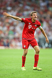 04.08.2015, Allianz Arena, Muenchen, GER, AUDI CUP, FC Bayern Muenchen vs AC Mailand, im Bild Thomas Mueller (FC Bayern Muenchen #25) gibt Anweisungen // during the 2015 AUDI Cup Match between FC Bayern Muenchen and AC Mailand at the Allianz Arena in Muenchen, Germany on 2015/08/04. EXPA Pictures © 2015, PhotoCredit: EXPA/ Eibner-Pressefoto/ Schüler<br /> <br /> *****ATTENTION - OUT of GER*****