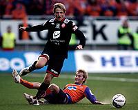 Fotball<br /> 05. april 2008<br /> Tippeligaen<br /> Aalesund - Brann 4-2<br /> <br /> Jan gunnar solli - brann<br /> Karl oskar fjørtoft - aalesund<br /> <br /> Foto: Richard Brevik , Digitalsport