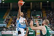 DESCRIZIONE : Avellino Lega A 2015-16 Sidigas Avellino Banco di Sardegna Sassari<br /> GIOCATORE : David Logan<br /> CATEGORIA : tiro <br /> SQUADRA : Banco di Sardegna Sassari<br /> EVENTO : Campionato Lega A 2015-2016 <br /> GARA : Sidigas Avellino Banco di Sardegna Sassari<br /> DATA : 09/11/2015<br /> SPORT : Pallacanestro <br /> AUTORE : Agenzia Ciamillo-Castoria/A. De Lise <br /> Galleria : Lega Basket A 2015-2016 <br /> Fotonotizia : Avellino Lega A 2015-16 Sidigas Avellino Banco di Sardegna Sassari