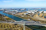 Nederland, Zuid-Holland, Rotterdam, 18-02-2015. Europoort, Dintelhavenbruggen voor spoor (Betuweroute) en A15. Dintelhavenbrug over Hartelkanaal, gezien naar Dintelhaven en Beneluxhaven.<br /> Motorway A15 and freight railway bridges crossing Hartelkanaal, Dintel harbour and Benelux harbor.<br /> luchtfoto (toeslag op standard tarieven);<br /> aerial photo (additional fee required);<br /> copyright foto/photo Siebe Swart