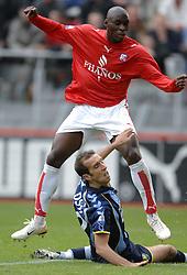 22-10-2006 VOETBAL: UTRECHT - DEN HAAG: UTRECHT<br /> FC Utrecht wint in eigenhuis met 2-0 van FC Den Haag / Marc Antoine Fortune en Gran Budjevcevic<br /> ©2006-WWW.FOTOHOOGENDOORN.NL