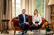 DEN HAAG, 21-10-2020, Paleis Huis ten Bosch<br /> <br /> Koning Willem-Alexander en koningin Maxima tijdens het opnemen van een persoonlijke videoboodschap, waarin de koning ingaat op het afbreken van de vakantie naar Griekenland.