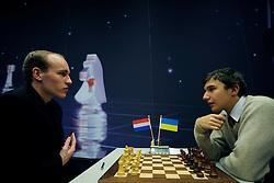 18-01-2009 SCHAKEN: CORUS CHESS: WIJK AAN ZEE<br /> Jan Smeets vs Sergei Karjakin UKR <br /> ©2009-WWW.FOTOHOOGENDOORN.NL