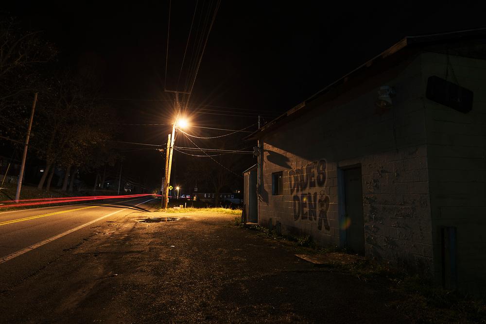 Roadside Dave's Den. Putnam County, West Virginia.