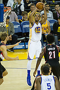 Golden State Warriors guard Shaun Livingston (34) shoots a jumper against the Portland Trail Blazers at Oracle Arena in Oakland, Calif., on October 21, 2016. (Stan Olszewski/Special to S.F. Examiner)
