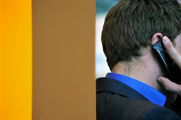 Nederland, Amsterdam, 16-3-2013Man belt met mobieltje.Foto: Flip Franssen/Hollandse Hoogte