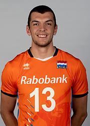 14-05-2018 NED: Team shoot Dutch volleyball team men, Arnhem<br /> Niels de Vries #13 of the Netherlands