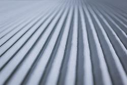 THEMENBILD - präparierte Piste am Kitzsteinhorn Gletscher Skigebiet, aufgenommen am 09. April 2021 in Kaprun, Österreich // groomed piste at the Kitzsteinhorn glacier ski Resort, Kaprun, Austria on 2021/04/09. EXPA Pictures © 2021, PhotoCredit: EXPA/ JFK