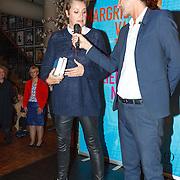 NLD/Amsterdam/20151027 - Boekpresentatie Margriet van der Linden - De Liefde Niet, Margriet en Cornald Maas