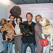 NLD/Amsterdam/20190612 - inloop filmpremiere A Dogs Journey, Rosanna Kluivert - Lima, en zoon Nino, Bas Smit en Anoul Smulder - Voorveld en hond scoop
