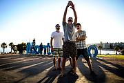 20180108/ Javier Calvelo - adhocFOTOS/ URUGUAY/ MONTEVIDEO/ Rambla de Pocitos en verano lleno de turistas y montevideanos paseando.<br /> En la foto:  Rambla de Pocitos en Montevideo. Foto: Javier Calvelo/ adhocFOTOS