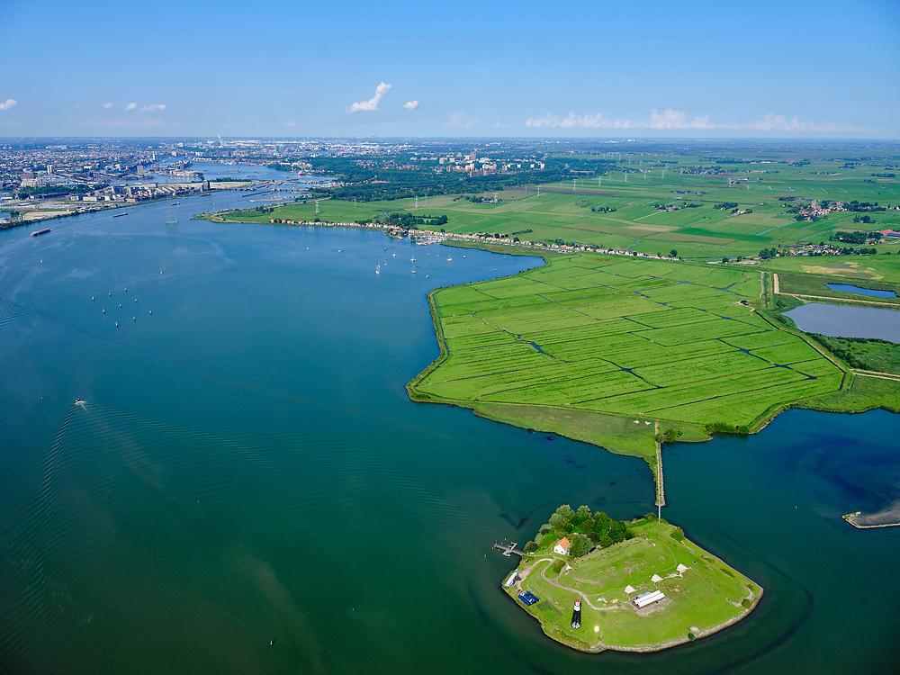 Nederland, Noord-Holland, Amsterdam, 02-09-2020; Vuurtoreneiland, ook bekend als Kustbatterij bij Durgerdamen onderdeel van de Stelling van Amsterdam. Het eiland ligt voor de kust van Polder  IJdoorn, een buitendijksepolderbijDurgerdam. In de achtergrond Zeeburgereiland, binnenstad van Ammsterdam.<br /> Lighthouse Island, also known as Coastal Battery near Durgerdam and part of the Defense Line of Amsterdam. The island lies off the coast of Polder IJdoorn, a polder outside the dykes at Durgerdam.<br /> <br /> luchtfoto (toeslag op standard tarieven);<br /> aerial photo (additional fee required);<br /> copyright foto/photo Siebe Swart