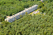 Nederland, Utrecht, Zeist, 26-06-2013; monumentaal flat aan de Prinses Margrietlaan, wijk Kerckebosch<br /> Monumental apartment building.<br /> luchtfoto (toeslag op standaard tarieven);<br /> aerial photo (additional fee required);<br /> copyright foto/photo Siebe Swart.