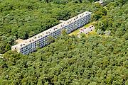 Nederland, Utrecht, Zeist, 26-06-2013; monumentaal flat aan de Prinses Margrietlaan, wijk Kerckebosch<br /> Monumental apartment building.<br /> luchtfoto (toeslag op standaard tarieven);<br /> aerial photo (additional fee required);<br /> copyright foto/photo Siebe Swart.