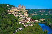 France, Aquitaine, Dordogne (24), Perigord Noir, vallee de la Dordogne, Beynac-et-Cazenac labellise Les Plus Beaux Villages de France  // France, Aquitaine, Dordogne, Perigord Noir, Dordogne valley, Beynac-et-Cazenac