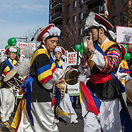 New York . Chinese New Year parade in Flushing. Queens for the year of the dragon / Parade du nouvel an chinois, l annee du Dragon, dans les rues de Flushing, Queens