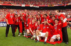 01-06-2003 NED: Amstelcup finale FC Utrecht - Feyenoord, Rotterdam<br /> FC Utrecht pakt de beker door Feyenoord met 4-1 te verslaan met oa Patrick Zwaanswijk, Etienne Shew-Atjon, Dave van den Bergh, Pascal Bosschaart, Dirk Kuyt, Igor Gluscevic, Harold Wapenaar, Jean Paul de Jong