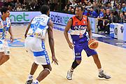DESCRIZIONE : Campionato 2014/15 Dinamo Banco di Sardegna Sassari - Enel Brindisi<br /> GIOCATORE : Elston Turner<br /> CATEGORIA : Palleggio<br /> SQUADRA : Enel Brindisi<br /> EVENTO : LegaBasket Serie A Beko 2014/2015<br /> GARA : Dinamo Banco di Sardegna Sassari - Enel Brindisi<br /> DATA : 27/10/2014<br /> SPORT : Pallacanestro <br /> AUTORE : Agenzia Ciamillo-Castoria / Luigi Canu<br /> Galleria : LegaBasket Serie A Beko 2014/2015<br /> Fotonotizia : Campionato 2014/15 Dinamo Banco di Sardegna Sassari - Enel Brindisi<br /> Predefinita :