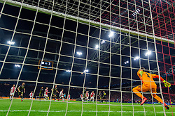 10-04-2019 NED: Champions League AFC Ajax - Juventus,  Amsterdam<br /> Round of 8, 1st leg / Ajax plays the first match 1-1 against Juventus during the UEFA Champions League first leg quarter-final football match / Wojciech Szczesny #1 of Juventus, free kick Lasse Schone #20 of Ajax
