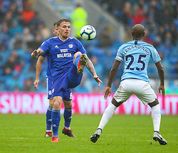 September 22, 2018 - Cardiff City, England, United Kingdom - Danny Ward of Cardiff City and Fernandinho of Manchester City challenge for the ball during the Premier League match between Cardiff City and Manchester City at Cardiff City Stadium,  Cardiff, England on 22 Sept 2018. (Credit Image: © Action Foto Sport/NurPhoto/ZUMA Press)