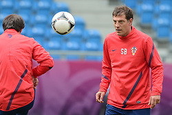 13.06.2012, City Stadion, Poznan, POL, UEFA EURO 2012, Training, Kroatien, im Bild TRENER (COACH) SLAVEN BILIC during the during EURO 2012 Trainingssession of Croatia Nationalteam, at the City stadium, Poznan, Poland on 2012/06/13