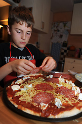 9 year old making pizza UK