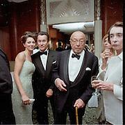 Ahmet Ertegun. Miramax post Oscar party. Beverley Hills Hotel. 26 March 2000. © Copyright Photograph by Dafydd Jones 66 Stockwell Park Rd. London SW9 0DA Tel 020 7733 0108 www.dafjones.com