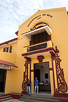Bais Town Hall, built in Spanish stucco style in 1937 has an elaborate doorway that shows the faded glory of this once important sugar baron town.