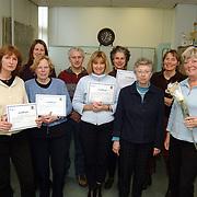 Uitreiking certificaat aan vrijwilligers Huizerweg 54 Bussum