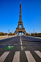 France, Paris (75), la Tour-Eiffel durant le confinement du Covid 19 // France, Paris, the Eiffel Tower during the containment of Covid 19