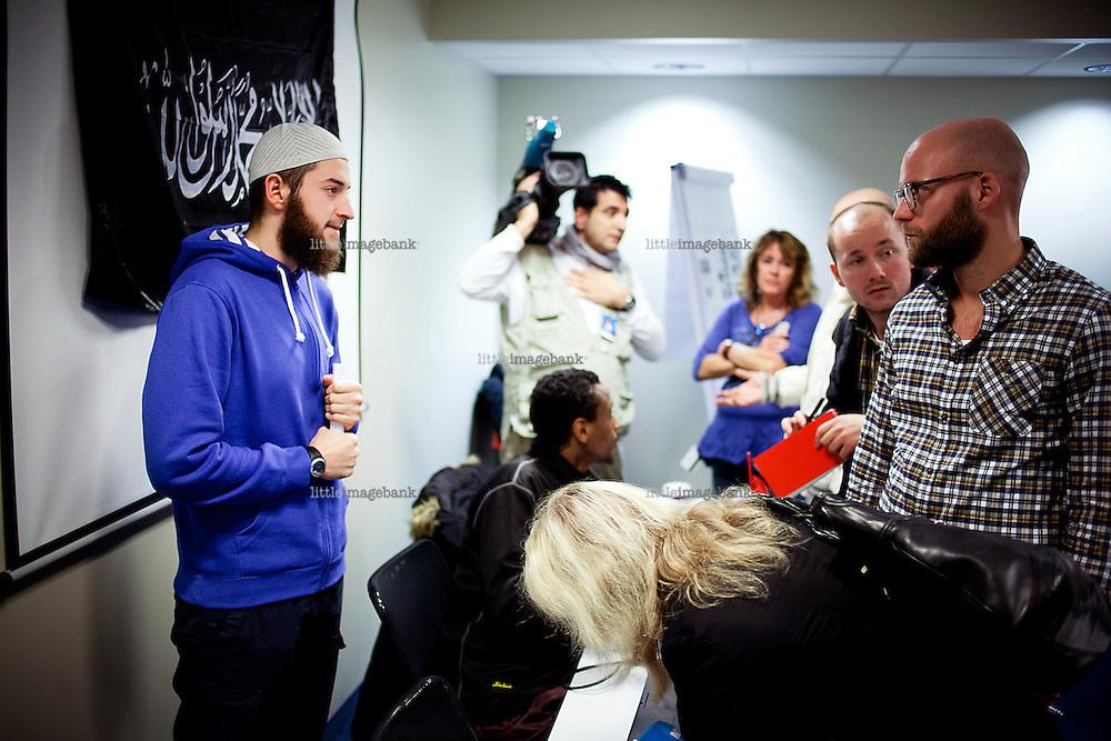 Oslo, Norge, 06.11.2012. Egzon Avdyli under en pressekonferanse i regi av profeten Ummah på Anker Hotel i Oslo. Foto: Christopher Olssøn.<br /> <br /> ***Attention editors***Egzon Avdyli (blue sweatshirt) is deseased, and thought to have been killed in combat in Syria or Iraq.***