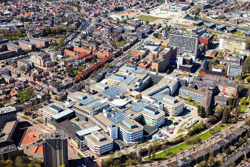 Nederland, Groningen, Groningen, 01-05-2013; Groningen-stad, centrum. <br /> Academisch Ziekenhuis aan de Oostersingel en de Stadschouwburg aan het Schuitendiep en de Turfsingel. Bovenin de werkzaamheden aan het CiBoGa, het Circus-, Boden- en Gasterrein (Grutmolen), stedenbouwkundig project in de Hortusbuurt.<br /> View on the city of Groningen, old town. University hospital UMCG.<br /> luchtfoto (toeslag op standard tarieven)<br /> aerial photo (additional fee required)<br /> copyright foto/photo Siebe Swart