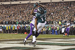 Philadelphia Eagles wide receiver Alshon Jeffery #17 catches the ball for a touchdown during the NFL NFC Championship game between The Minnesota Vikings and The Philadelphia Eagles at Lincoln Financial Field in Philadelphia on Sunday, January 21st 2018. (Brian Garfinkel/Philadelphia Eagles)