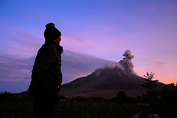 June 1, 2017 - North Sumatera, Indonesia - Mount Sinabung showing no signs of stopping the eruption, as it continues to experience an increase in volcanic activity with the formation of a new lava dome. (Credit Image: © Sabirin Manurung/Pacific Press via ZUMA Wire)