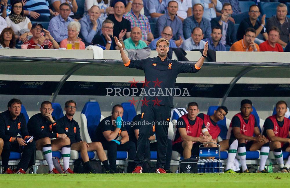 SINSHEIM, GERMANY - Tuesday, August 15, 2017: Liverpool's manager Jürgen Klopp reacts during the UEFA Champions League Play-Off 1st Leg match between TSG 1899 Hoffenheim and Liverpool at the Rhein-Neckar-Arena. (Pic by David Rawcliffe/Propaganda)