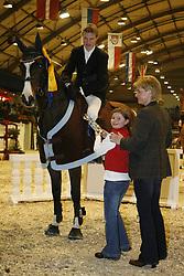, Neumünster - VR Classis 14 - 18.02.2007, Siegerehrung Prfg. 23 - Preis der Fa. Reitsport Sievers, Flintbek