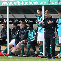 17.10.2020, Dietmar-Scholze-Stadion an der Lohmuehle, Luebeck, GER, 3. Liga, VfB Luebeck vs SG Dynamo Dresden <br /> <br /> im Bild / picture shows <br /> Trainer Rolf Martin Landerl (VfB Luebeck) Hand aufs Herz<br /> <br /> DFB REGULATIONS PROHIBIT ANY USE OF PHOTOGRAPHS AS IMAGE SEQUENCES AND/OR QUASI-VIDEO.<br /> <br /> Foto © nordphoto / Tauchnitz