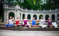 Annette Söhnlein, Christina Lobe, Irina Alex, Valentin Alex, Ananda Sieben, Meg Evans at Märchenbrunnen, Berlin