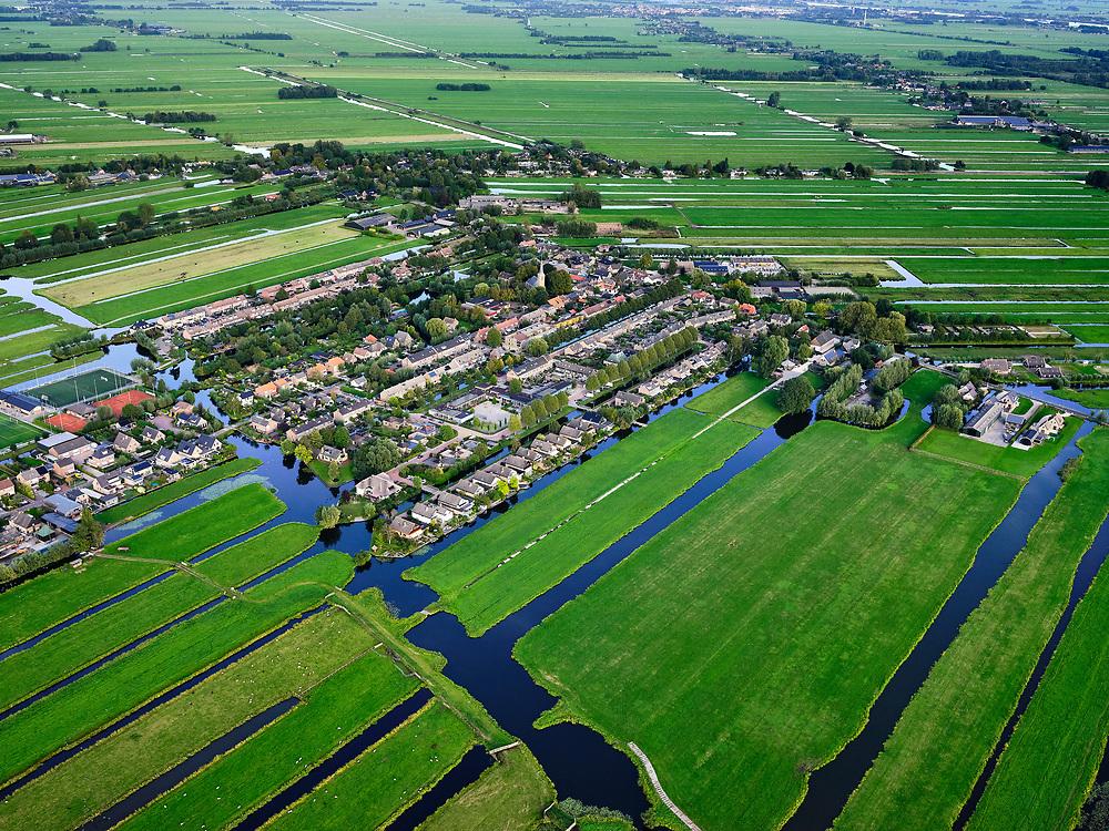 Nederland, Zuid-Holland, Ouderkerk aan de IJssel, 14-09-2019; Zicht op veenweidegebied van de Krimpenerwaard met het dorp Berkenwoude. Polders tussen Ouderkerk en Stolwijk.<br /> View on peat meadow polders west of Stolwijk, South Holland.<br /> <br /> luchtfoto (toeslag op standard tarieven);<br /> aerial photo (additional fee required);<br /> copyright foto/photo Siebe Swart