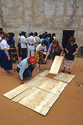 Bob, Miriam & Earthwatchers Building Solar Oven