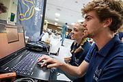 Het Human Power Team Delft en Amsterdam, dat bestaat uit studenten van de TU Delft en de VU Amsterdam, is in Amerika om tijdens de World Human Powered Speed Challenge in Nevada een poging te doen het wereldrecord snelfietsen voor vrouwen te verbreken met de VeloX 9, een gestroomlijnde ligfiets. Op 10 september 2019 verbreekt het team met Rosa Bas het record met 122,12 km/u. De Canadees Todd Reichert is de snelste man met 144,17 km/h sinds 2016.<br /> <br /> With the VeloX 9, a special recumbent bike, the Human Power Team Delft and Amsterdam, consisting of students of the TU Delft and the VU Amsterdam, wants to set a new woman's world record cycling in September at the World Human Powered Speed Challenge in Nevada. On 10 September 2019 the team with Rosa Bas a new world record with 122,12 km/u.  The fastest man is Todd Reichert with 144,17 km/h.