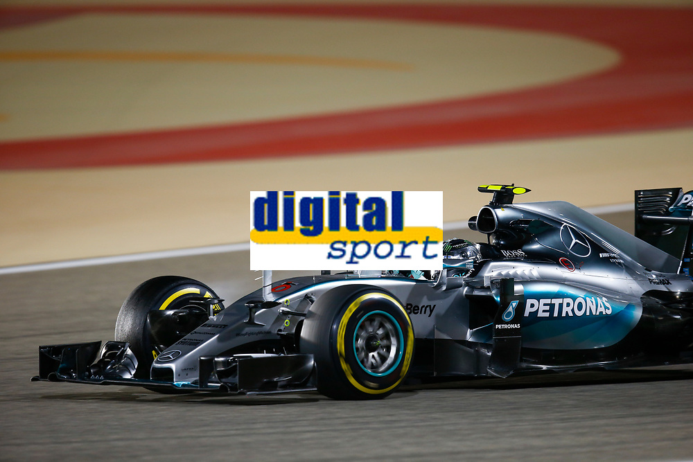 ROSBERG nico (ger) mercedes gp mgp w06 action during 2015 Formula 1 FIA world championship, Bahrain Grand Prix, at Sakhir from April 16 to 19th. Photo Florent Gooden / DPPI