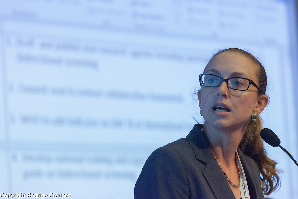 Kerri Viney, Research Fellow at the School of Population Health of Australian National University, presents a summary of the interactive discussions at the global summit on diabetes and tuberculosis in Bali, Indonesia, on November 3, 2015.<br /> The increasing interaction of TB and diabetes is projected to become a major public health issue.The summit gathered a hundred public health officials, leading researchers, civil society representatives and business and technology leaders, who committed to take action to stop this double threat. (Photo: Rodrigo Ordonez for The Union)
