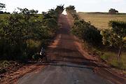 Santa Albertina_SP, Brasil...Carroca transportando cana em Santa Albertina, Sao Paulo...A chariot is transporting cane Santa Albertina, Sao Paulo...Foto: LEO DRUMOND / NITRO