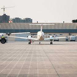Placa do Aeroporto Nacional 4 de Fevereiro em Luanda, Angola.